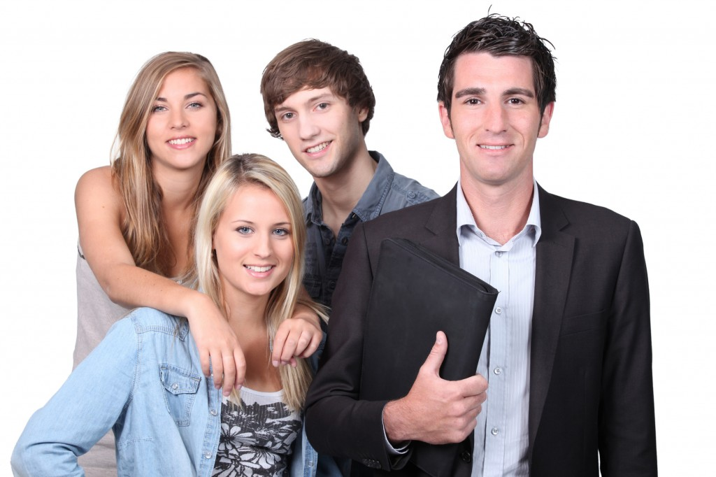 photodune-2388241-adult-and-teenagers-smiling-m-1-1024x682